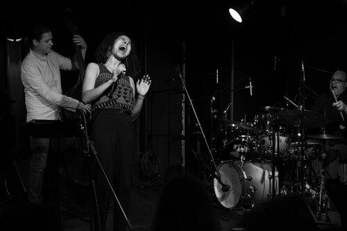 Trio Indigo feat. Mara Minjoli